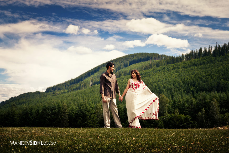 Beautiful Engagment Photo in Snoqualmie WA