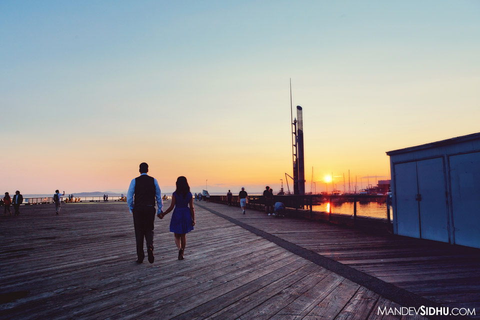 couple walking into the seattle sunset