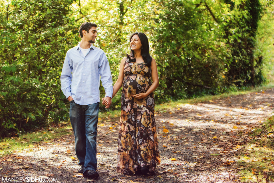 Fall Maternity Photos in the park
