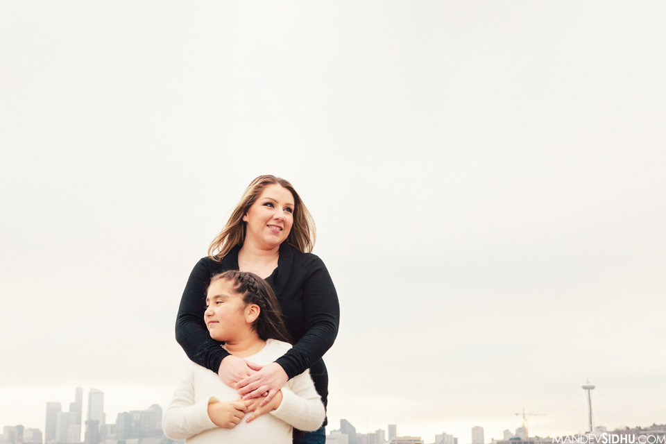 mother daughter photo with Seattle skyline in background