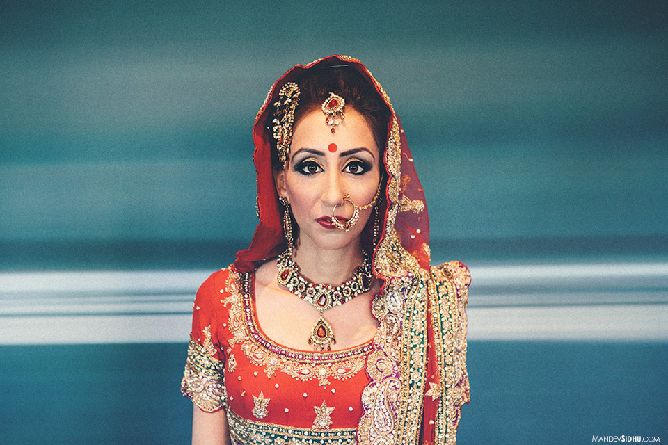indian bride wearing red lehenga