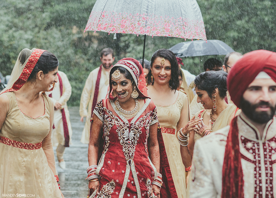 A rainy day Seattle wedding