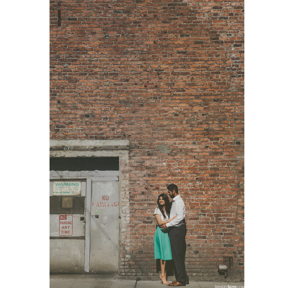 pre-wedding photos in downtown seattle