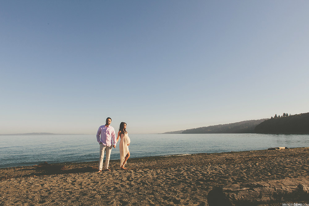 best beach maternity photos in Seattle