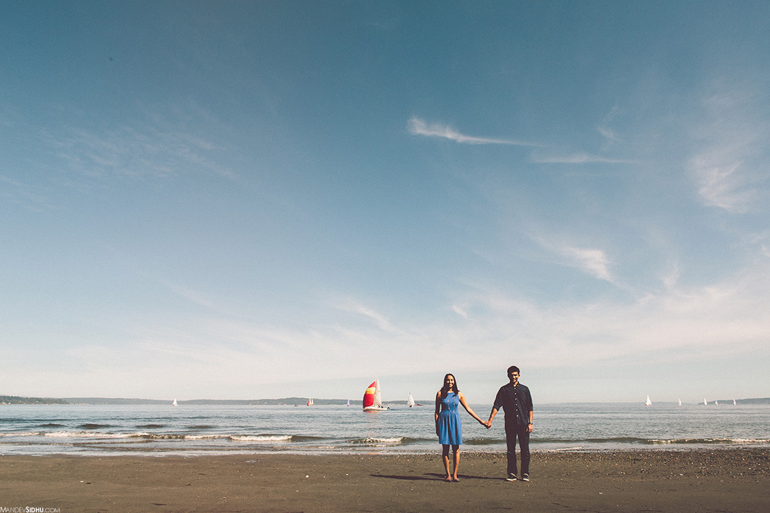 beautiful beach engagement photography in Seattle Mandev Sidhu