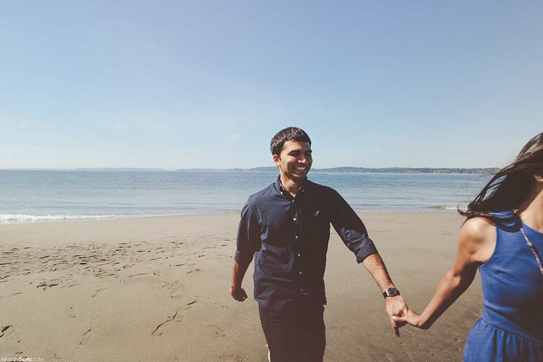 pre-wedding engagement photos on the beach in Seattle