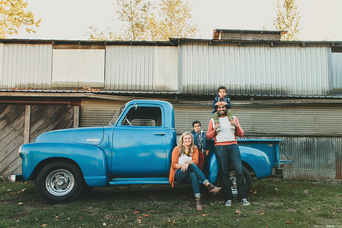 snohomish-family-photography-blue-truck