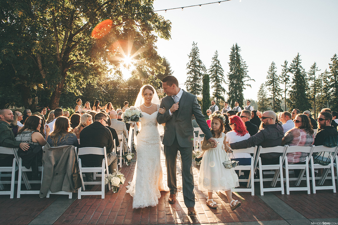 outdoor wedding ceremony at Kelley Farm in Bonney Lake