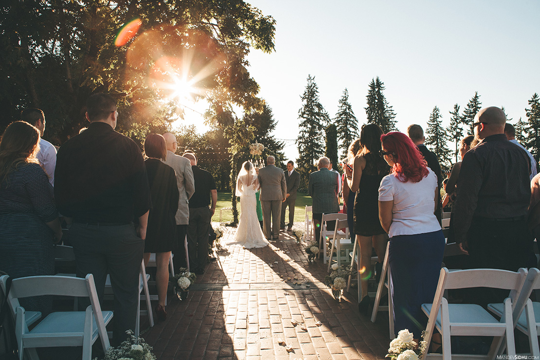 Outdoor wedding photography Tacoma