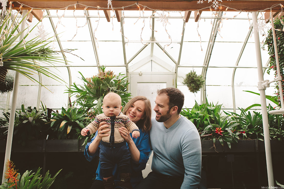 Seattle Family Photos at Volunteer Park Conservatory